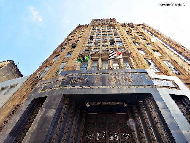 Perspectiva inferior da fachada do Edifício Banco de São Paulo - Centro - São Paulo