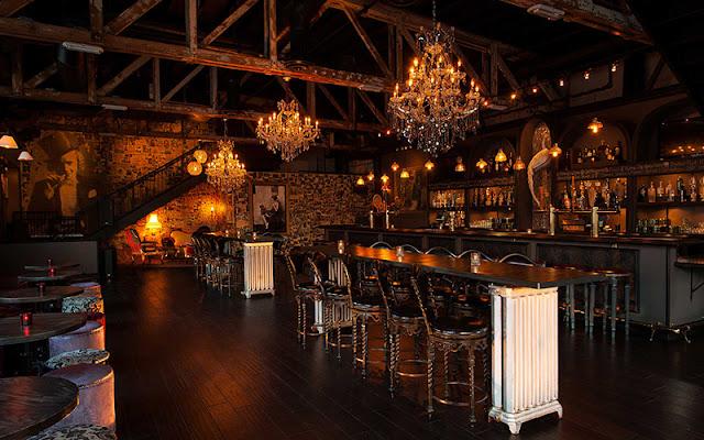 Espaços do Bar Commonwealthem Las Vegas