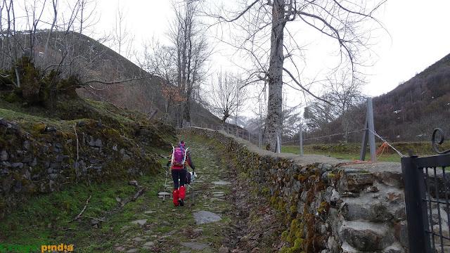 Ruta circular con raquetas a La Peñona, El Tambarón y las Peñas Rubias desde Salientes.