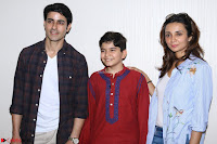 Gautam Rode with Lra Dubey and child artist Krish Dewan  (5).JPG