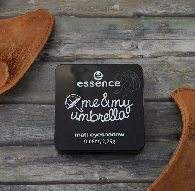 Essence me & my umbrella TE matt eyeshadow 02 take me to the clouds