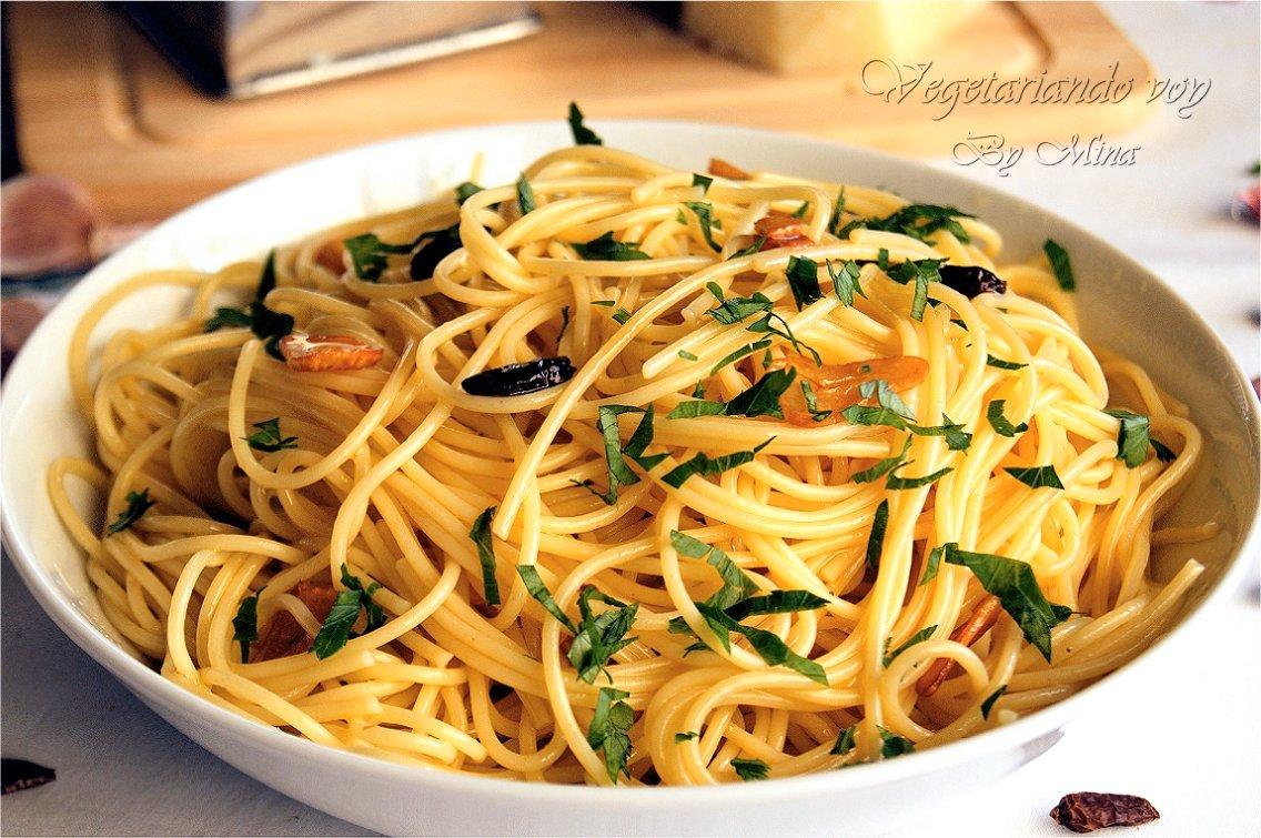 Vegetariando voy espaguetis al ajo y aceite for Espaguetis con ajo y perejil