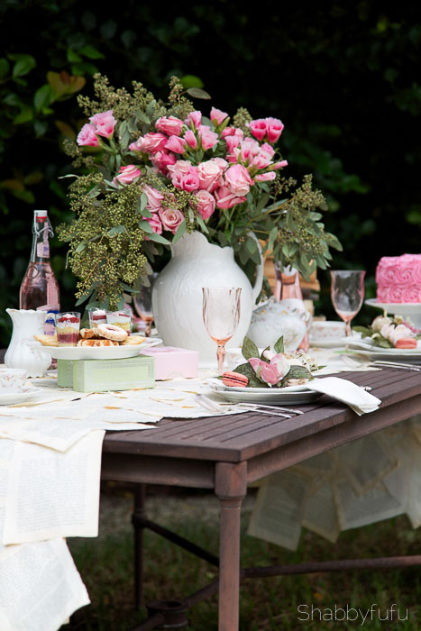 pink-roses-french-table