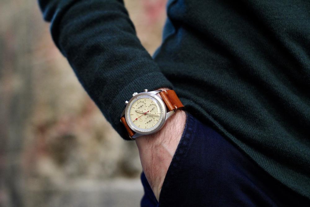 montre bracelet en cuir fauve Louis Pion x Chevignon