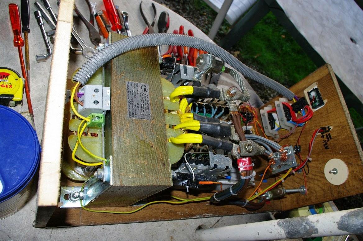 Sine Wave Inverter Circuit Using A Single Ic 4093 Homemade Circuit
