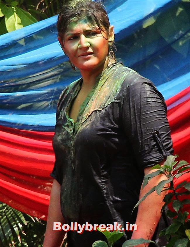 Anu Gupta, Sanjay Gupta Bollywood Holi Party Pics 2014