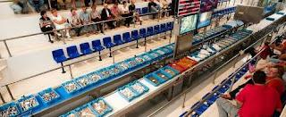 caja-plastico-pescado-azul-lonja-pescadores
