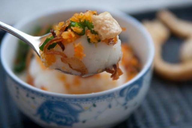 Vietnamese foof culture - Bánh Đúc Nước Cốt Dừa với Thịt Xay