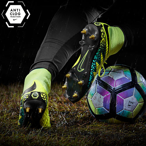 Football-Boots-Nike-Hypervenom-Phantom-II-SG-Pro-Anti-Clog-2