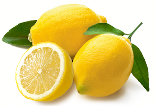 Cara mengurangi wajah berminyak secara alami dengan lemon