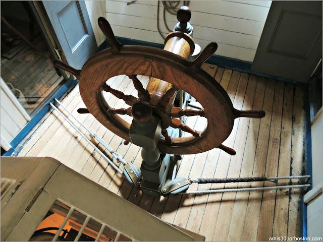 Timón del Lagoda en el Museo de Ballenas de New Bedford, Massachusetts