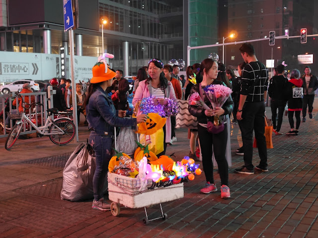 woman selling Halloween-related items in Changsha
