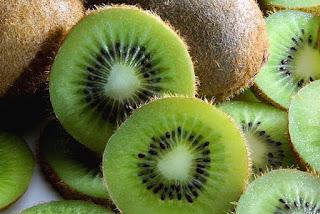 kiwi, how to get beautiful skin, kacang brazil cantikkan kulit, beauty skin, beautiful skin, makanan untuk cantikkan kulit, buah-buahan cantikkan kulit