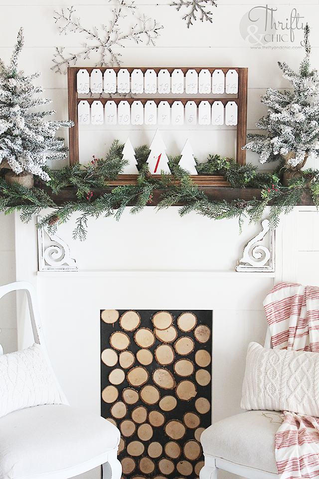 DIY hanging tag farmhouse advent calendar. DIY advent calendar. DIY Christmas advent calendar. Farmhouse style Christmas decor and decorating ideas. Easy Christmas craft or project. #ad
