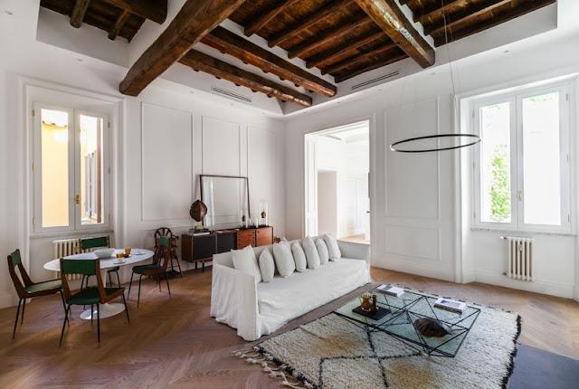 Amalgama entre pasado y presente en un apartamento de Roma