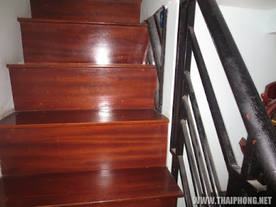 mẫu cầu thang thường làm cho nhà sàn giả
