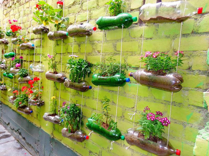 1000 images about jardin vertical on pinterest gardens succulent frame and succulent wall. Black Bedroom Furniture Sets. Home Design Ideas