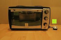 Vorderansicht: Andrew James – 23 Liter Mini Ofen und Grill mit 2 Kochplatten in Schwarz – 2900 Watt – 2 Jahre Garantie