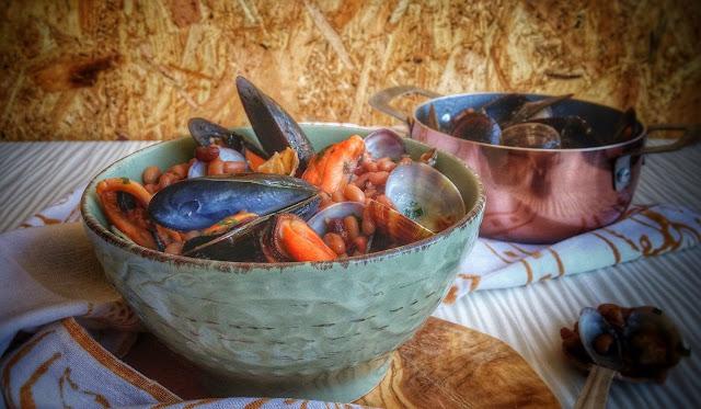 Fagiolina del Trasimeno, vongole e cozze