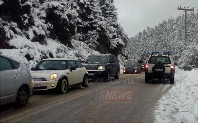 Καραμπόλα 20 αυτοκινήτων λόγω πάγου στα Καλάβρυτα