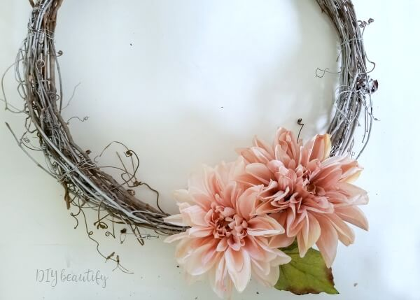 minimal spring wreath with blush dahlias