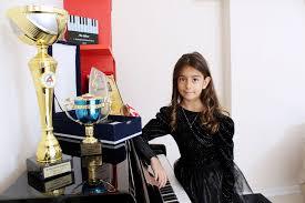 Dünya Piyano Yarışmasında 8 yaşında birinci olan yarışmacımız kimdir?