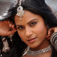 Glorious Rachana maurya looking awesome in ethnic