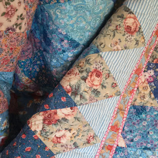 Blue Diamonds quilt: QuiltBee