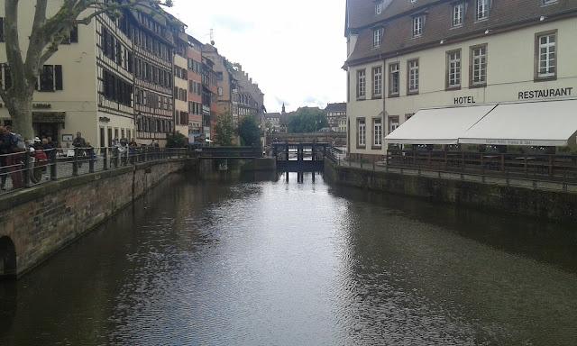 Fransa Strasbourg nehir kanalları