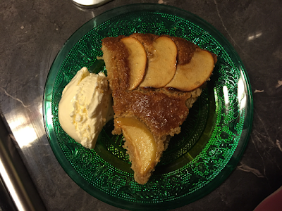 Gluten free, lactose free Apple Tart with lactose free ice cream