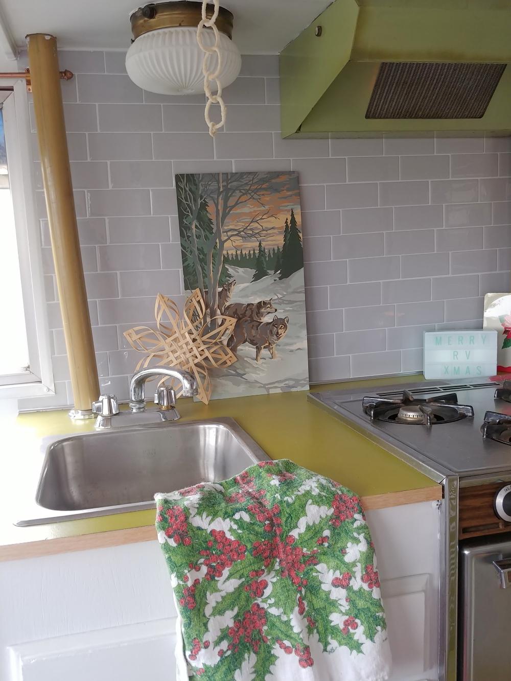 motorhome Christmas kitchen