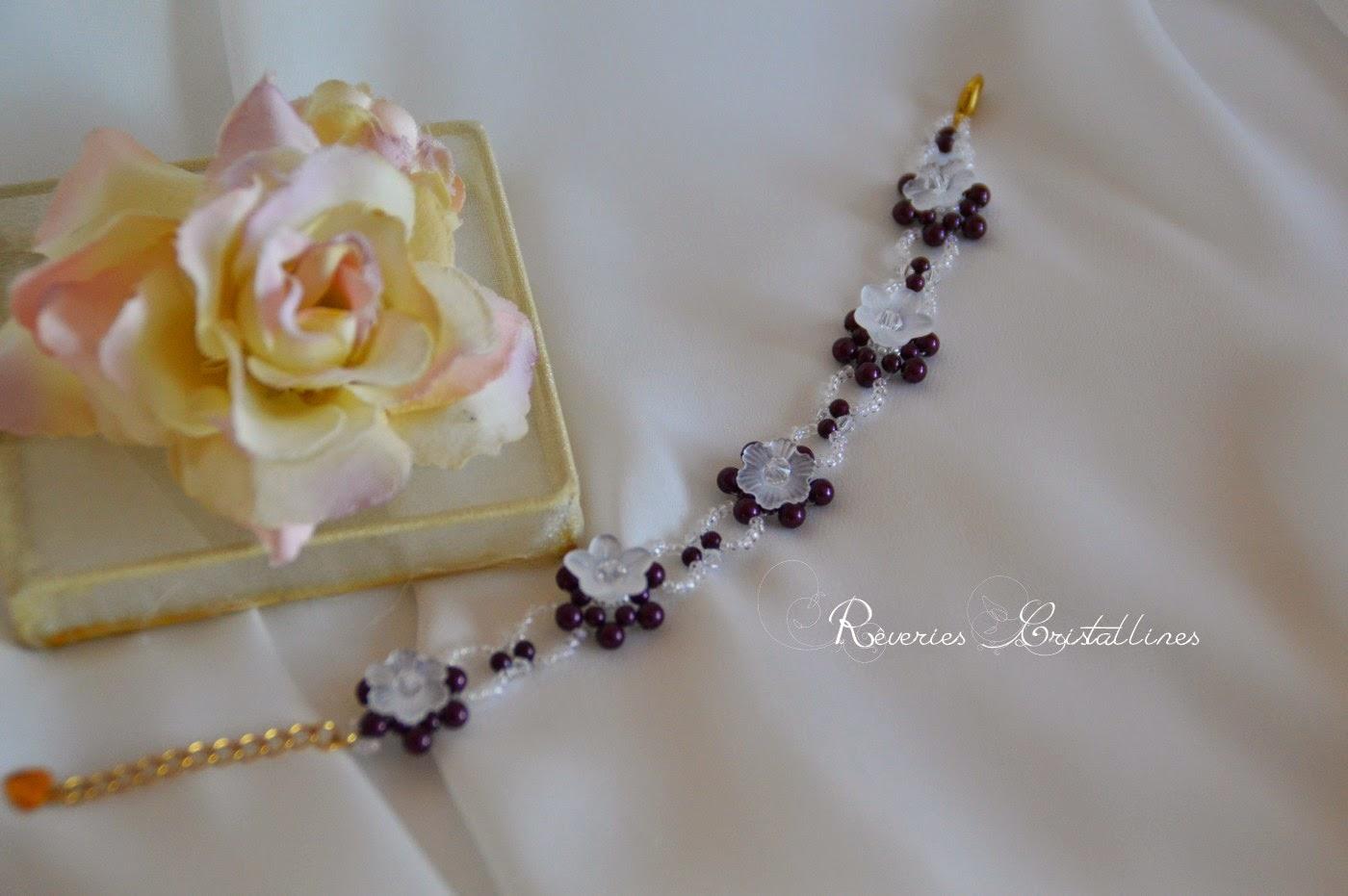 bracelet mariage fleurs lustrées et perles