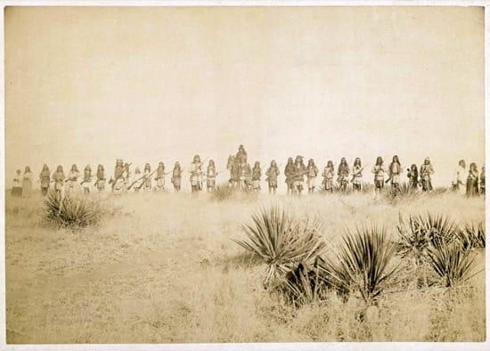 Jerónimo y sus guerreros en Sierra Madre, poco antes de rendirse