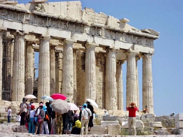 Ιδρύονται οκτώ νέα τουριστικά ΙΕΚ