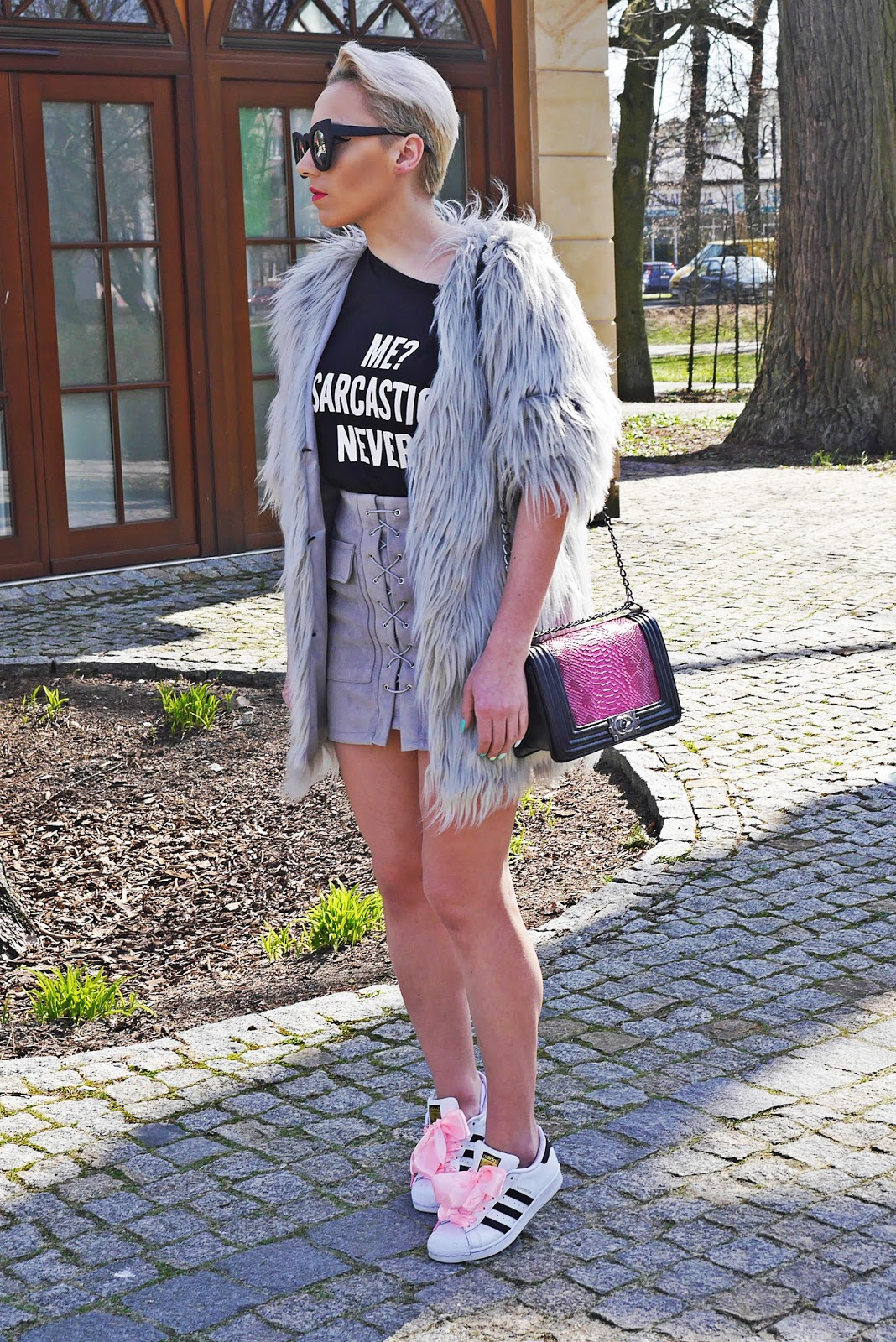gray_fur_karyn_blog_skirt_ootd_look_030417