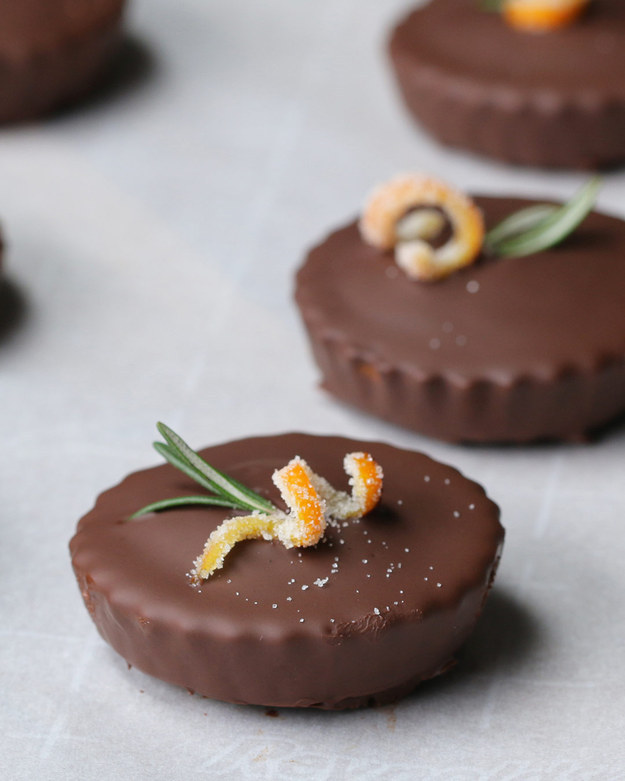#Recipes : Chocolate-Covered Mini Olive Oil Cakes