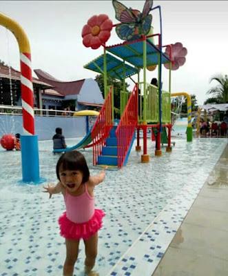 aqualand waterpark serang