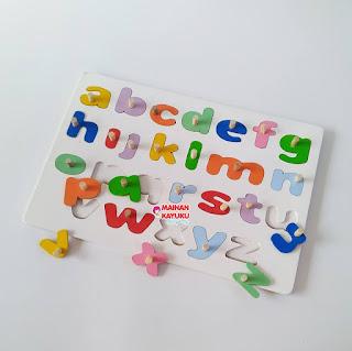 Mainan Edukatif Puzzle Huruf