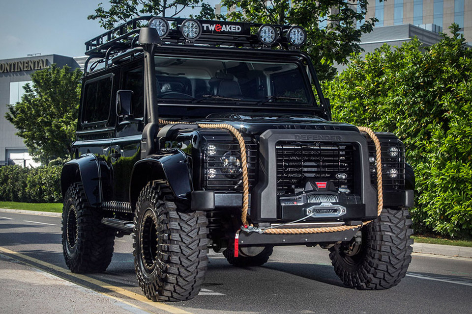 Land Rover Defender Spectre Edition!!! | Walauwei com!