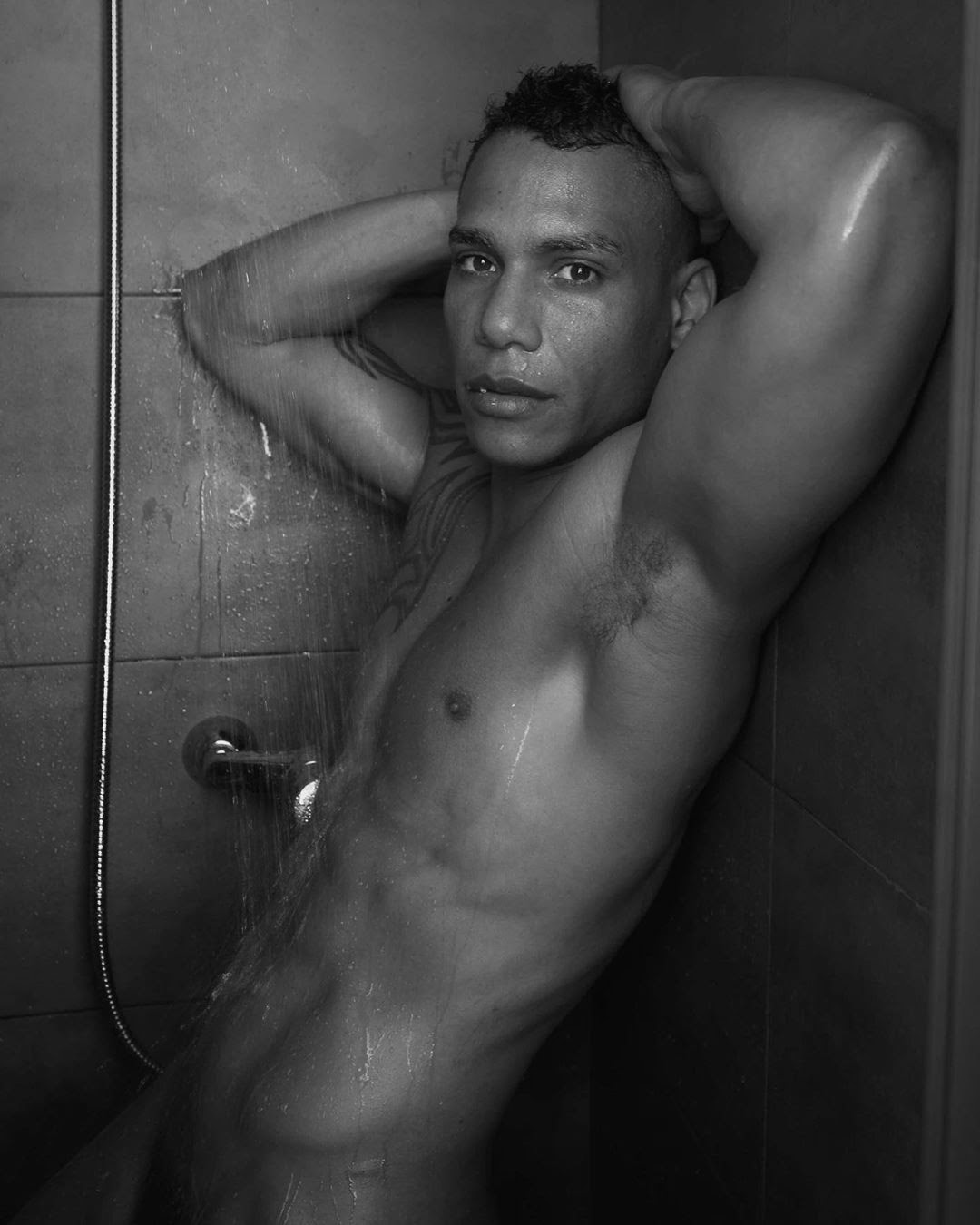 ShoweR TimE, by Men in the city ft Javier Armando (NSFW).