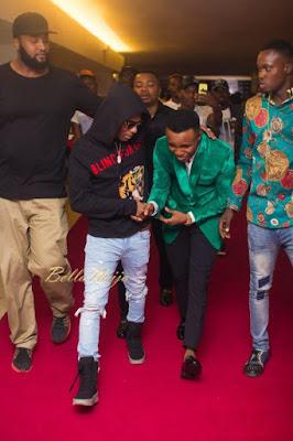 #Headies2016 : Humblesmith Bows For Wizkid [Photos]