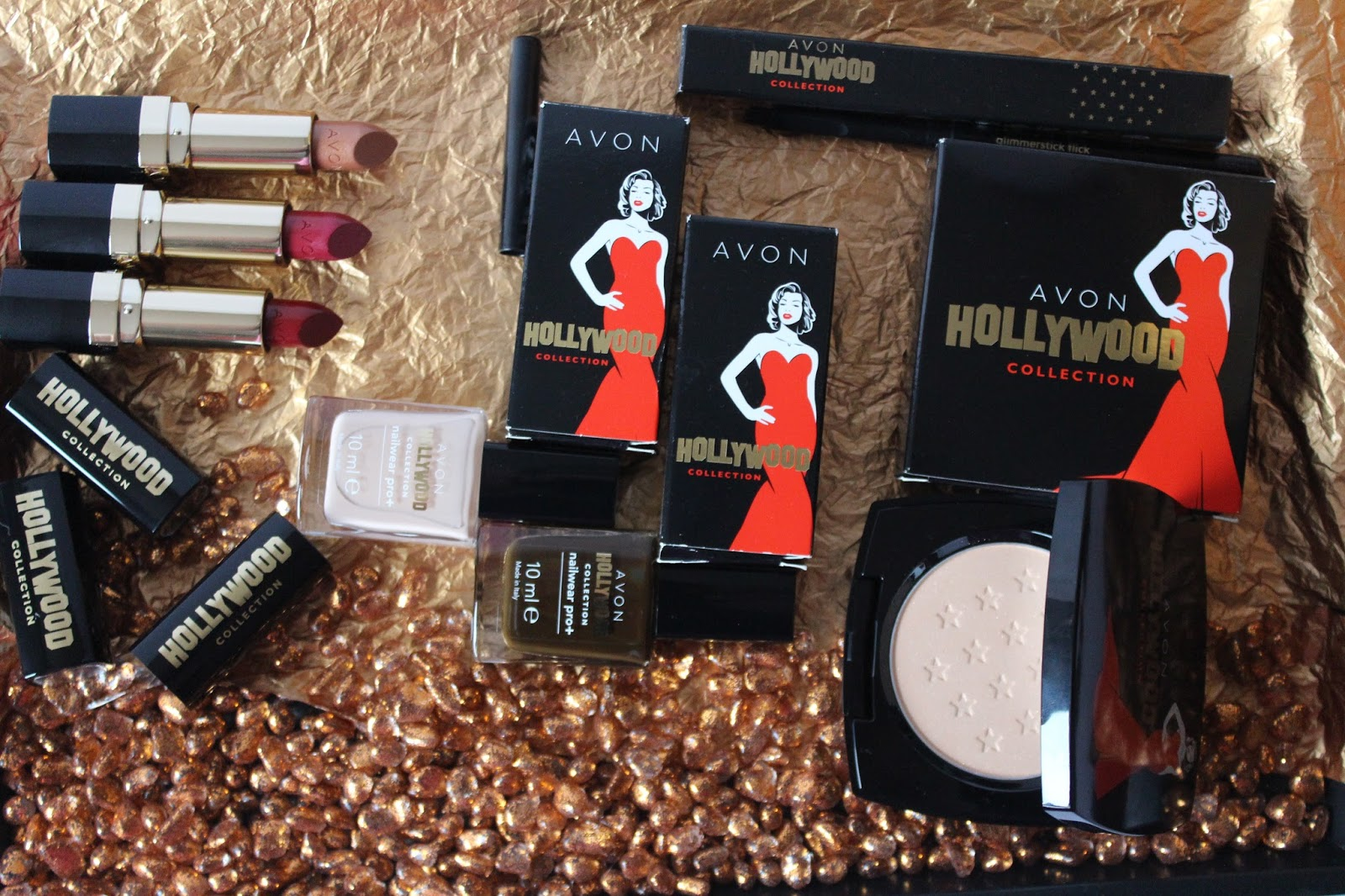 Avon Hollywood kolekcija iz kataloga 15/2014