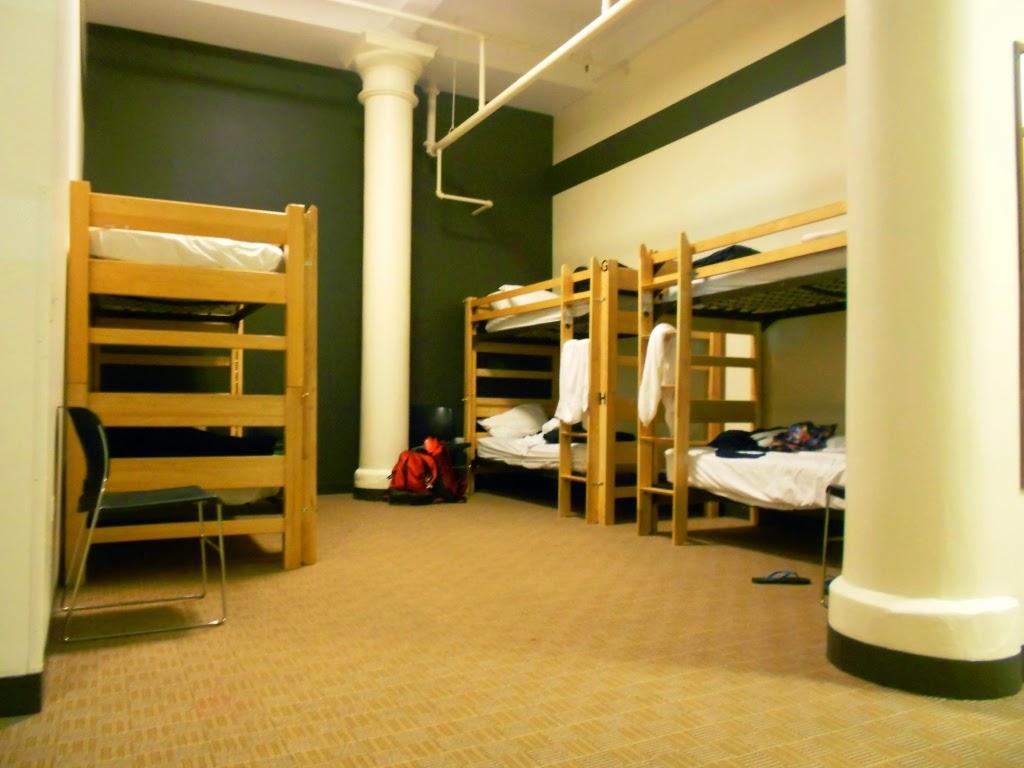 Share room, international hostel chicago