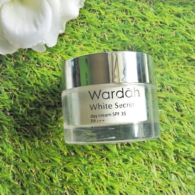 Review Wardah White Secret Series - Day Cream