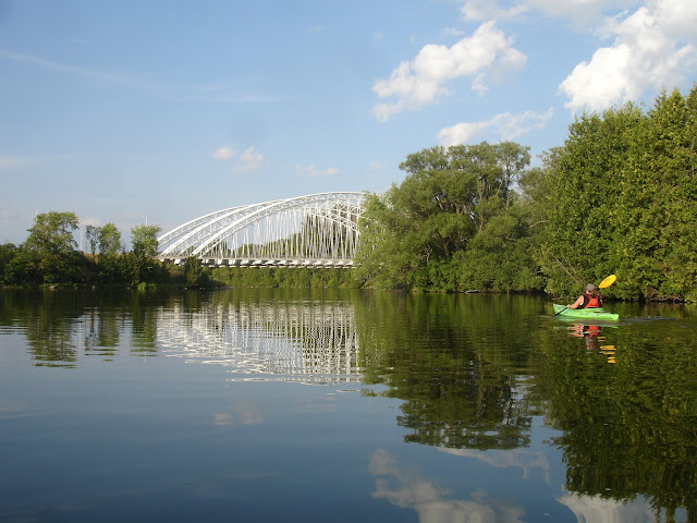 Kayaking and SUPing on Rideau River Ottawa Water Sports