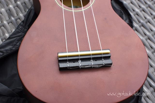 Diamond Head DU-150 Soprano Ukulele bridge