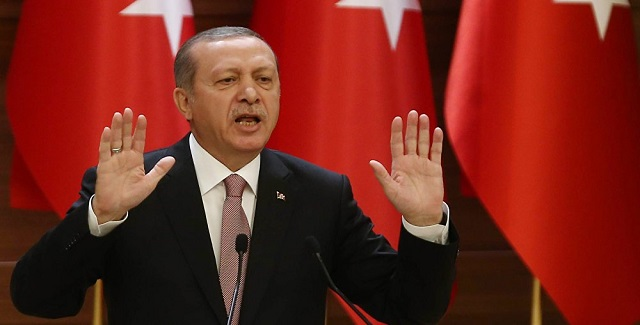 Νέο παραλήρημα Ερντογάν: «Η Τουρκία δεν θα υποχωρήσει από τα δικαιώματά της σε Αιγαίο και Κύπρο»