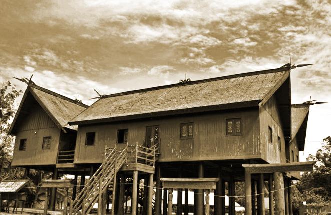 Seni Wisata Budaya Keunikan Rumah Adat Tradisional Betang Suku Dayak Kalimantan Tengah