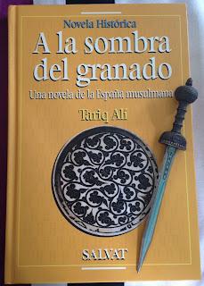 Portada del libro A la sombra del granado, de Tariq Ali