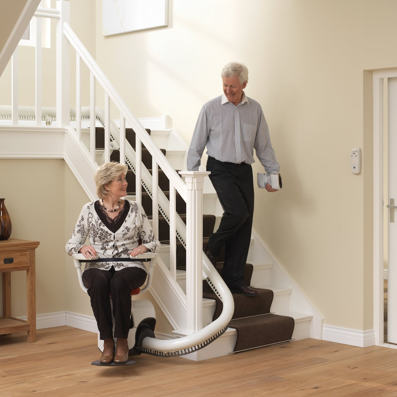 Treppenlift Flow 2 Manual Stair Lifts: Flow Stairlifts For Curved Stairs